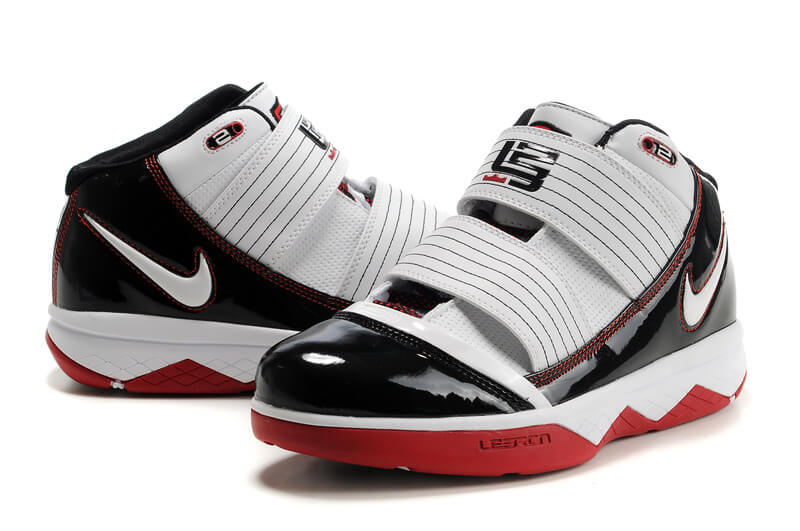 Zoom Soldier III Shoes