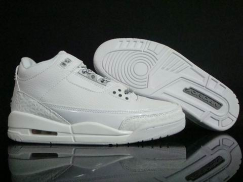 Air Jordan 3 Retro Shoe