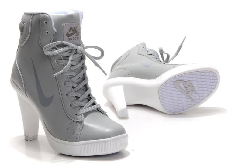 discount women Nike Heels